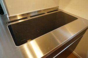 キッチンカウンター交換、キッチン天板交換、人工大理石ひび割れ破損